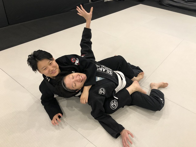 Fonda and Frida having fun at the BJJ All Levels class for adults